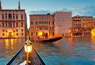 9c49add3 e5fa 4aaa 8af3 458fd0fa186f italy venice gondolas 051018 az 320x220 - بهترین مکان های دیدنی ونیز ، ایتالیا | Venice