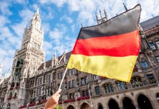 E1fKYUoWiWX7GljL 1513592151709 320x220 - مهاجرت به آلمان | Germany