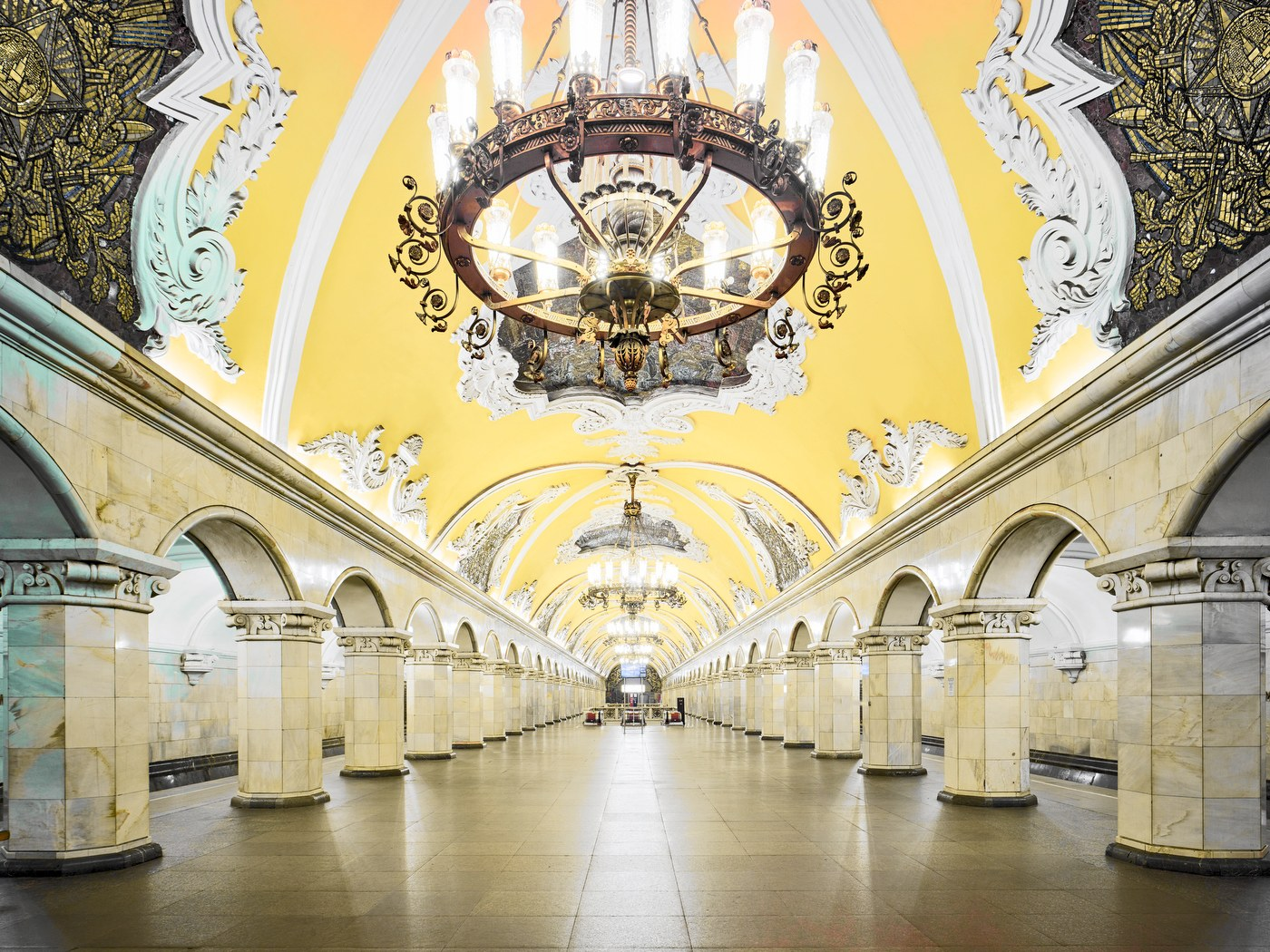 Komsomolskaya Metro Station Moscow Russia 2015 HR - متروی مسکو ، روسیه | Moscow