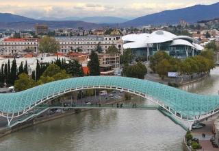 a1bad73b93256752a8b518193b194afa 320x220 - پل صلح تفلیس ، گرجستان | Tbilisi