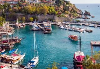 old port shutterstock 229732852 320x220 - جاهای دیدنی آنتالیا ، ترکیه | Antalya