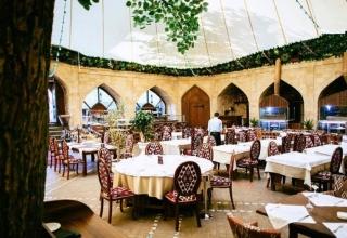 2 320x220 - 3 رستوران بی نظیر در باکو ، آذربایجان | Baku