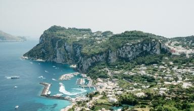 capricityguide 384x220 - جزیره کاپری در ایتالیا و جاذبه های آن | Capri