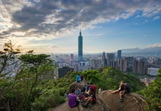 Elephant Mountain        027 320x220 - برج تایپه 101 ، نمادی در پایتخت تایوان | Taiwan
