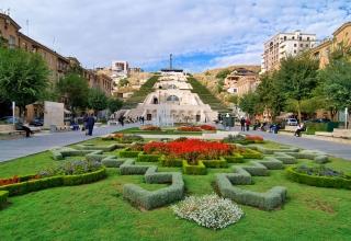 Yerevan Kaskad Armenia 1418053835211 320x220 - کاسکاد ، موزه و پلکان معروف ارمنستان | Yerevan