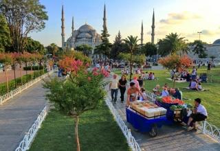 sultan 1 320x220 - کارهایی که باید در محله سلطان احمد استانبول انجام دهید | Istanbul