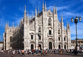 62fe08803ca6f4c2142c7ca9c6d736d9 1 320x220 - کلیسای جامع میلان ، شاهکار معماری گوتیک در ایتالیا | Milan