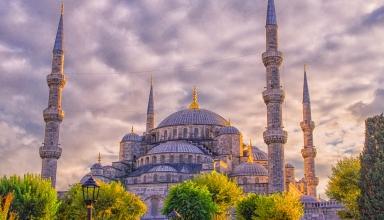 Blue Mosque in Istanbul 384x220 - تاریخچه مسجد آبی استانبول (سلطان احمد) ، ترکیه | Istanbul