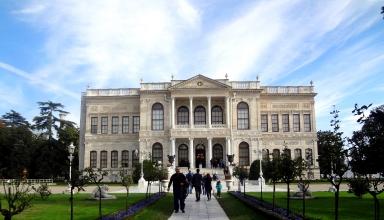 DSC04641 384x220 - کاخ دلما باغچه استانبول ، ترکیه | Istanbul