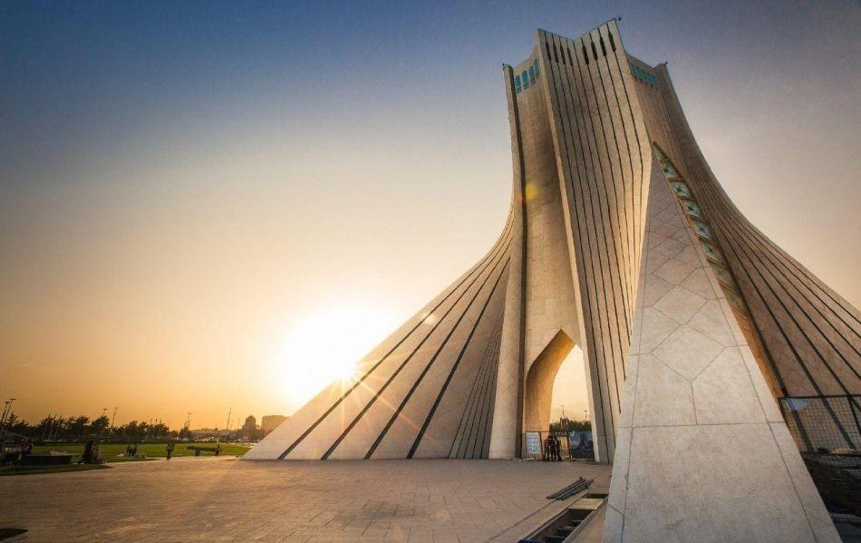F0D9q5GHcbACG4BH 1541848542031 - آشنایی با برج آزادی تهران   Tehran