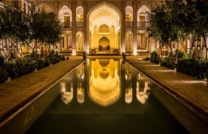 ameri family house kashan night 1 - سرای عامری ها ، بزرگترین خانه تاریخی کاشان | Kashan