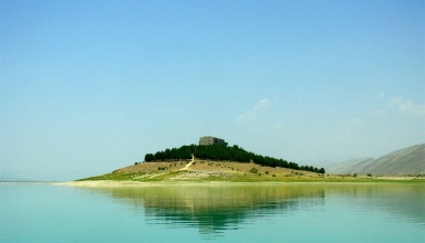 dorudzan lake1 384x220 - سد درودزن شیراز و دریاچه زیبای آن | Doroudzan Dam