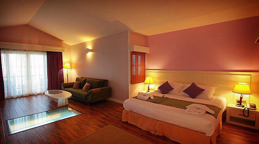 kish island toranj hotel rooms dbl 01 1 - بهترین هتل های کیش از نظر مسافران | Kish