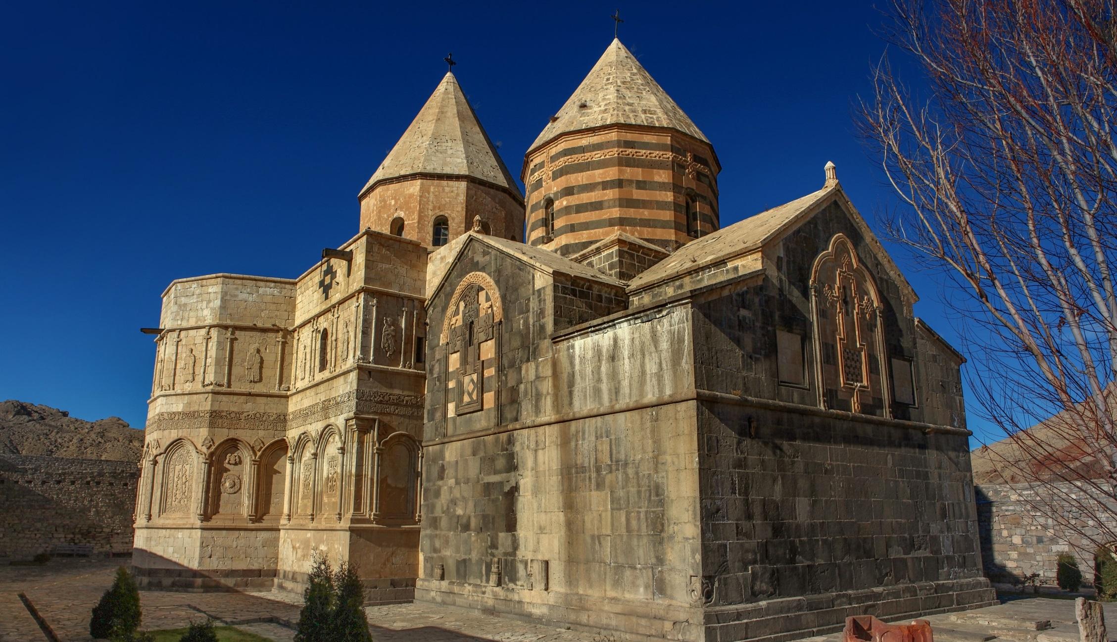کلیسا 1 - قره کلیسا ، اولین کلیسای جهان در آذربایجان غربی | St. Thaddeus Monastery