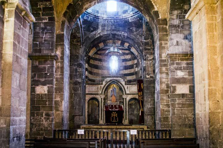 کلیسا000 - قره کلیسا ، اولین کلیسای جهان در آذربایجان غربی | St. Thaddeus Monastery