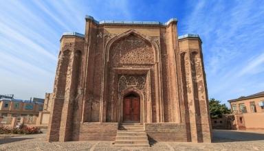 2738923 e1567168122346 384x220 - گنبد علویان ، شاهکار معماری سلجوقی در همدان | Hamadan