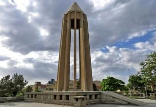 avicenna mausoleum9 e1566735808652 320x220 - آرامگاه بوعلی سینا ، همدان | Hamadan