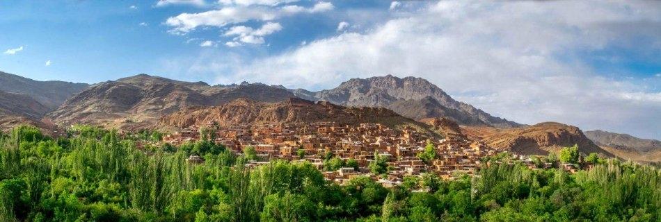 gipPRt4HRYCbARVy 1539084937173 1 e1564900949563 - روستای ابیانه ، روستایی زیبا در اصفهان | Abyaneh