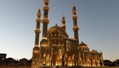 147542258712245454 1000x669 e1567511260381 384x220 - مسجد حیدر باکو ، آذربایجان | Baku