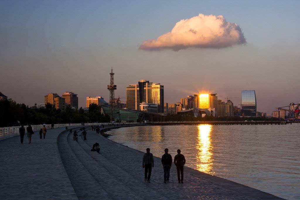208892436503 - بلوار ساحلی باکو ، آذربایجان | Baku