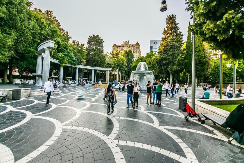 7b520309 af03 4889 bca0 f3ea1673c446 - میدان فانتین باکو ، آذربایجان | Baku