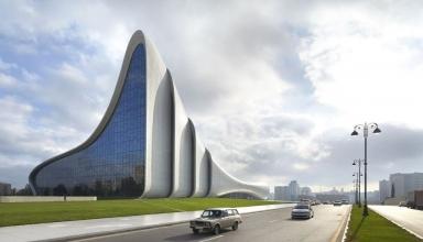 Vy80lw6EIaTUnBL0 1534317334396 e1569162668504 384x220 - مرکز فرهنگی حیدر علی اف باکو ، آذربایجان | Baku