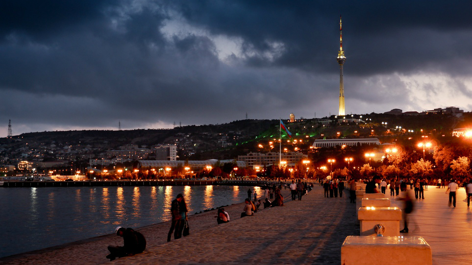 بلوار ساحلی باکو