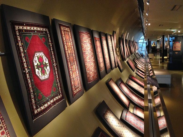 attraction 89 KdJMB1524392578 - موزه فرش آذربایجان در باکو | Baku