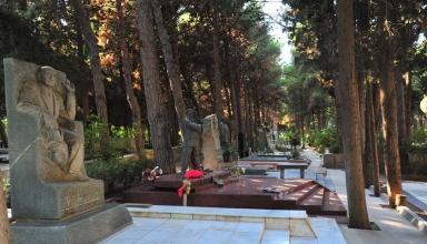 b8c23a32 4ae4 4ff6 aa60 2cc28bddbfa8 384x220 - پارک مفاخر باکو ، آذربایجان | Baku