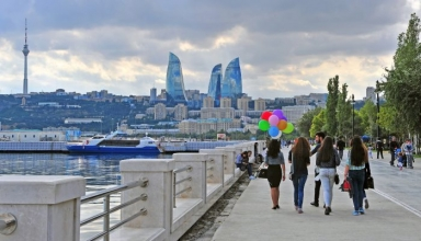 baku azerbaijan e1505976456411 384x220 - بلوار ساحلی باکو ، آذربایجان | Baku