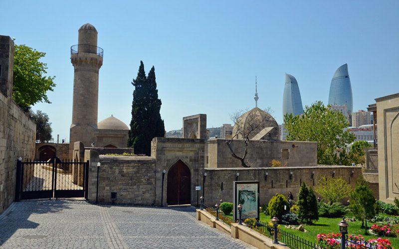 yard 800x500 - کاخ شیروان شاه باکو ، آذربایجان | Baku