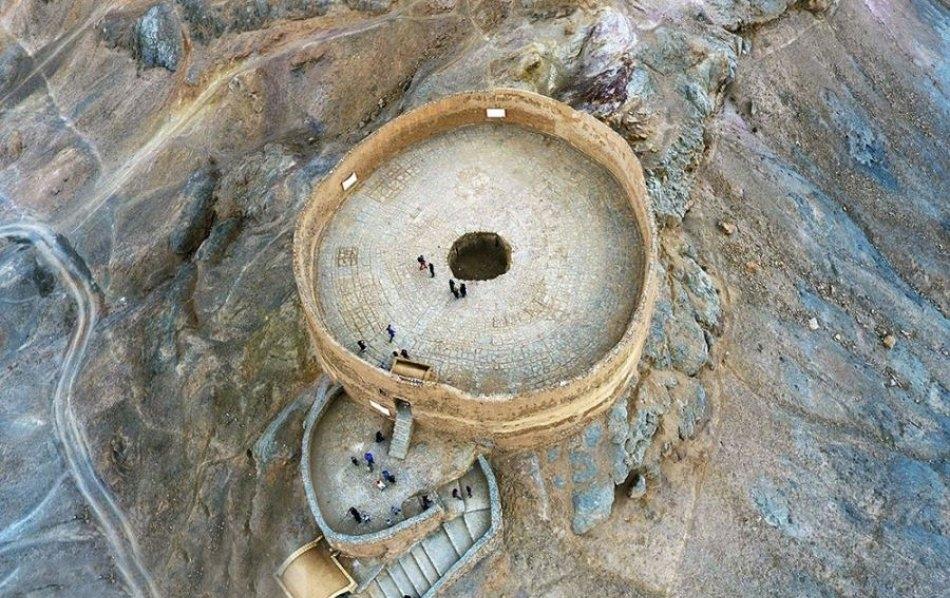 2cmJXFOVro7qe2NY 1550486413939 e1570908186995 - دخمه زرتشتیان یزد | Yazd