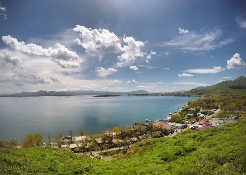 BbcBK3XN6hG3adQ6 1534341663612 e1571416364888 - دریاچه سوان ایروان ، دریاچه ای زیبا در ارمنستان | Yerevan