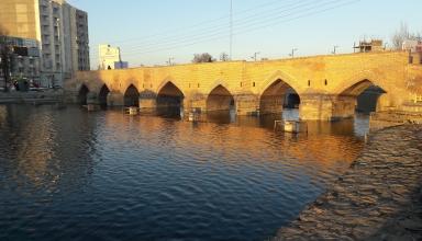 Haft Cheshmeh Bridge 384x220 - پل هفت چشمه اردبیل | Ardabil