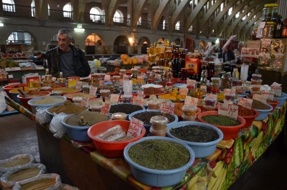 Pak Shuka1 AS e1323237338693 - بازار سرپوشیده ایروان ، ارمنستان   Yerevan