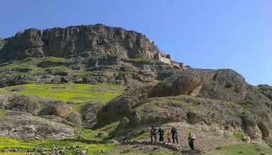 badc475e 3c7d 4240 a6c5 07cfa5464691 384x220 - قلعه قهقهه اردبیل ، از مهمترین قلعه های تاریخی | Ardabil