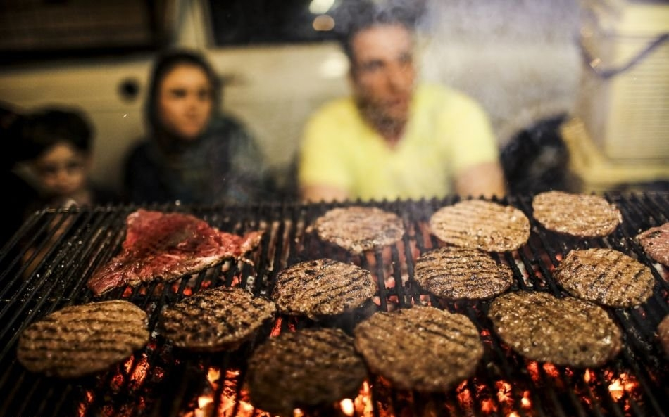 kfCdANlk4XwiQgaV 1514031272391 e1570002127354 - خیابان سی تیر ، خیابانی جذاب در تهران | Tehran