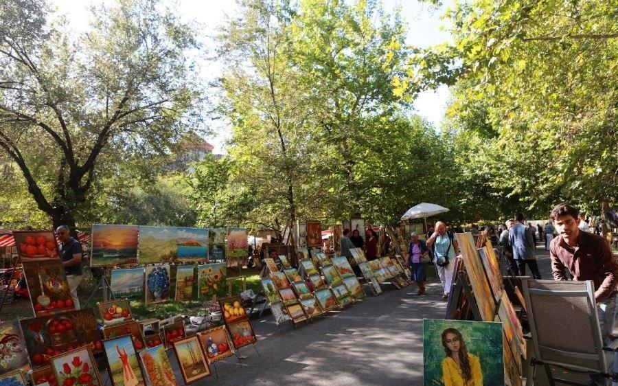 market03 e1571309927701 - بازار ورنیساژ ایروان ، ارمنستان | Yerevan