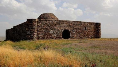 shah abbasi caravanserai04 384x220 - کاروانسرای سنگی صائین در شهرستان نیر ، اردبیل | Ardabil