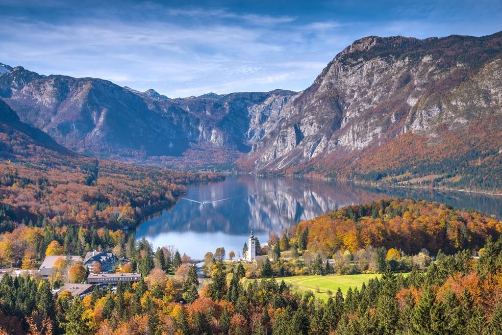 Lake Bohinj Autumn - بهترین شهرهای اروپا برای سفر در پاییز (قسمت ۲) | Europe