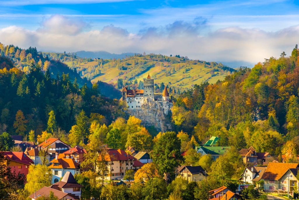 bran castle brasov transylvania romania shutterstock 518343055 1024x683 - بهترین شهرهای اروپا برای سفر در پاییز (قسمت ۲) | Europe