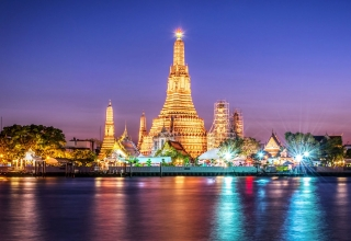 wat arun in bangkok e1573904334223 320x220 - جاذبه های دیدنی و گردشگری تایلند (قسمت ۱) | Thailand