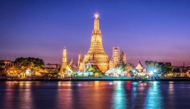 wat arun in bangkok e1573904334223 384x220 - جاذبه های دیدنی و گردشگری تایلند (قسمت ۱)   Thailand