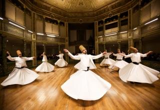 161117182701 gettyimages 457531357 1 1536x1024 1 320x220 - مراسم بزرگداشت مولانا و رقص سماع در قونیه | Konya