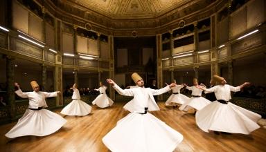 161117182701 gettyimages 457531357 1 1536x1024 1 384x220 - مراسم بزرگداشت مولانا و رقص سماع در قونیه | Konya