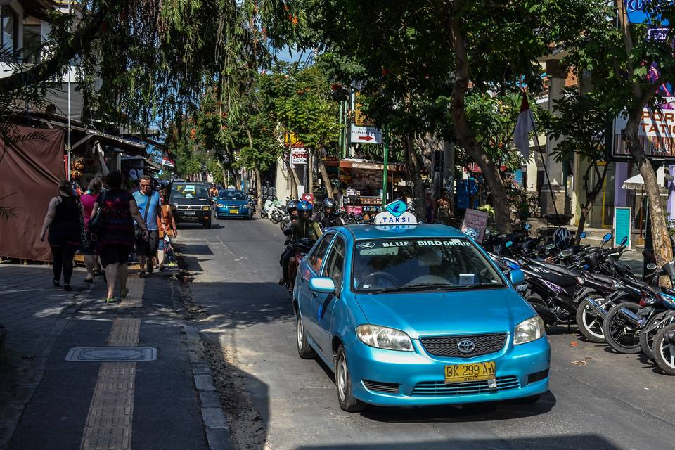 blue bird taxi 594a65b23df78c537b69ea74 - راهنمای سفر به بالی ، اندونزی | Bali