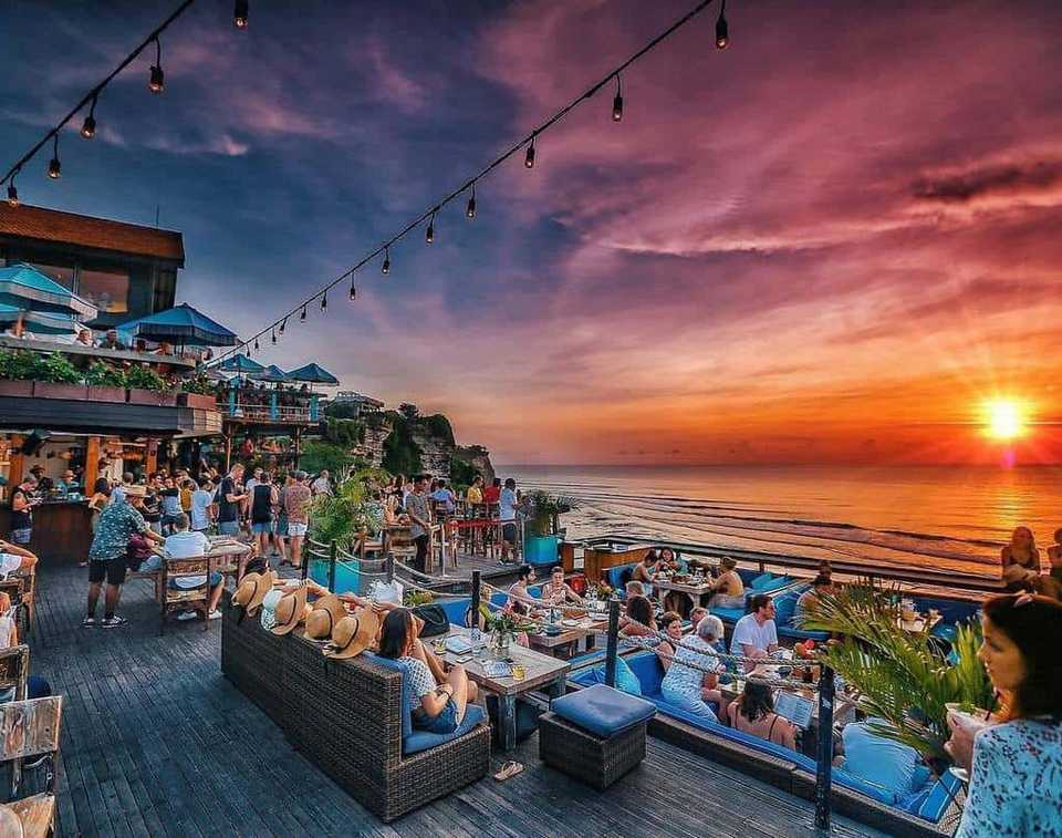 single fin balibest beach club in uluwatuuluwatu beach clubtop beach clubs in uluwatu 8 - راهنمای سفر به بالی ، اندونزی | Bali