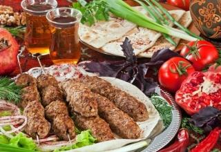 AZERBAIJANI CUISINE11 1 320x220 - بهترین غذاهای محلی کشور آذربایجان | Azerbaijan