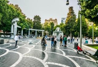 7b520309 af03 4889 bca0 f3ea1673c446 1 320x220 - راهنمای سفر به باکو ، آذربایجان | Baku