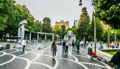 7b520309 af03 4889 bca0 f3ea1673c446 1 384x220 - راهنمای سفر به باکو ، آذربایجان | Baku